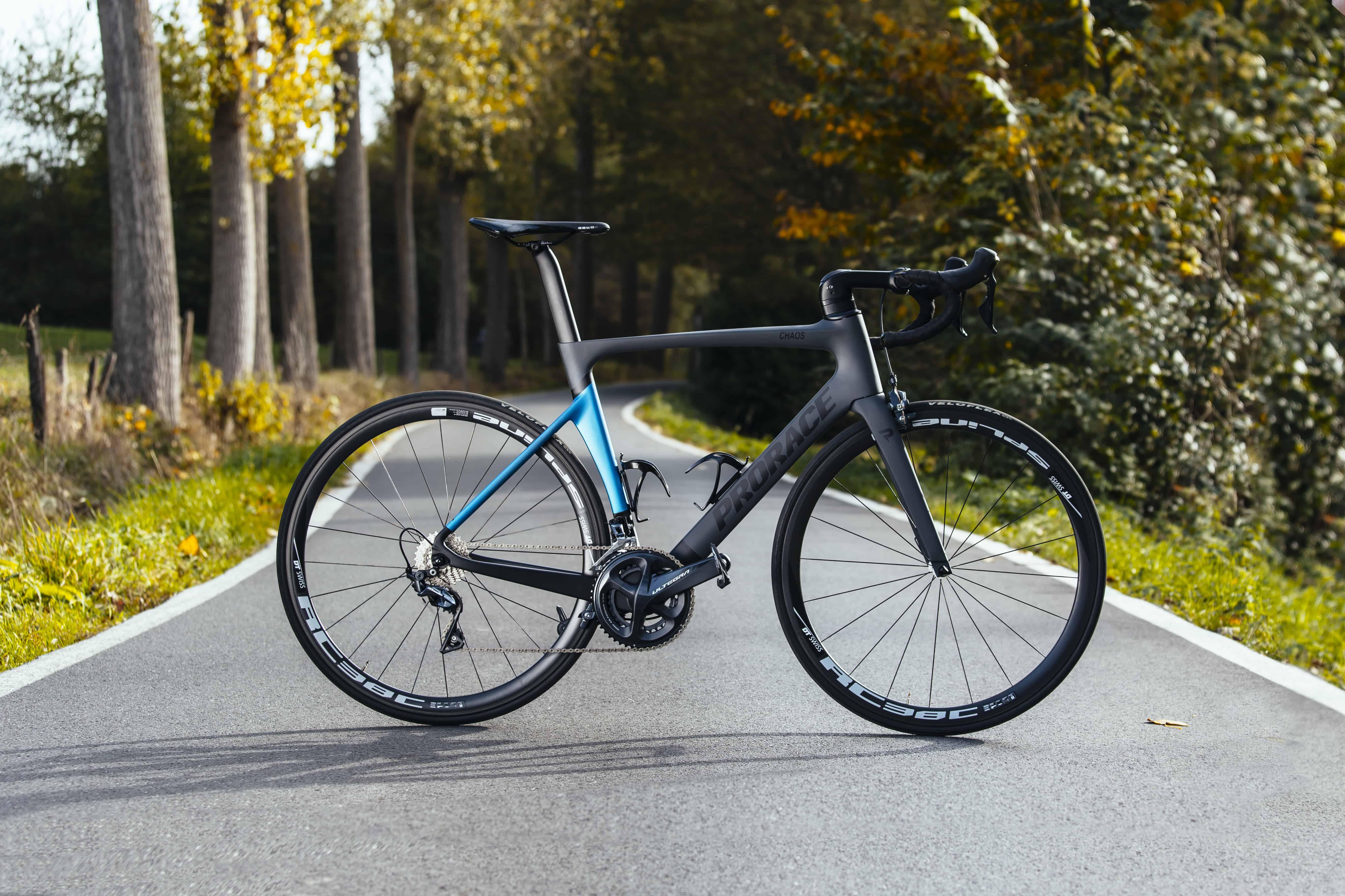 Chaos aerodynamische Prorace fiets met velgremmen