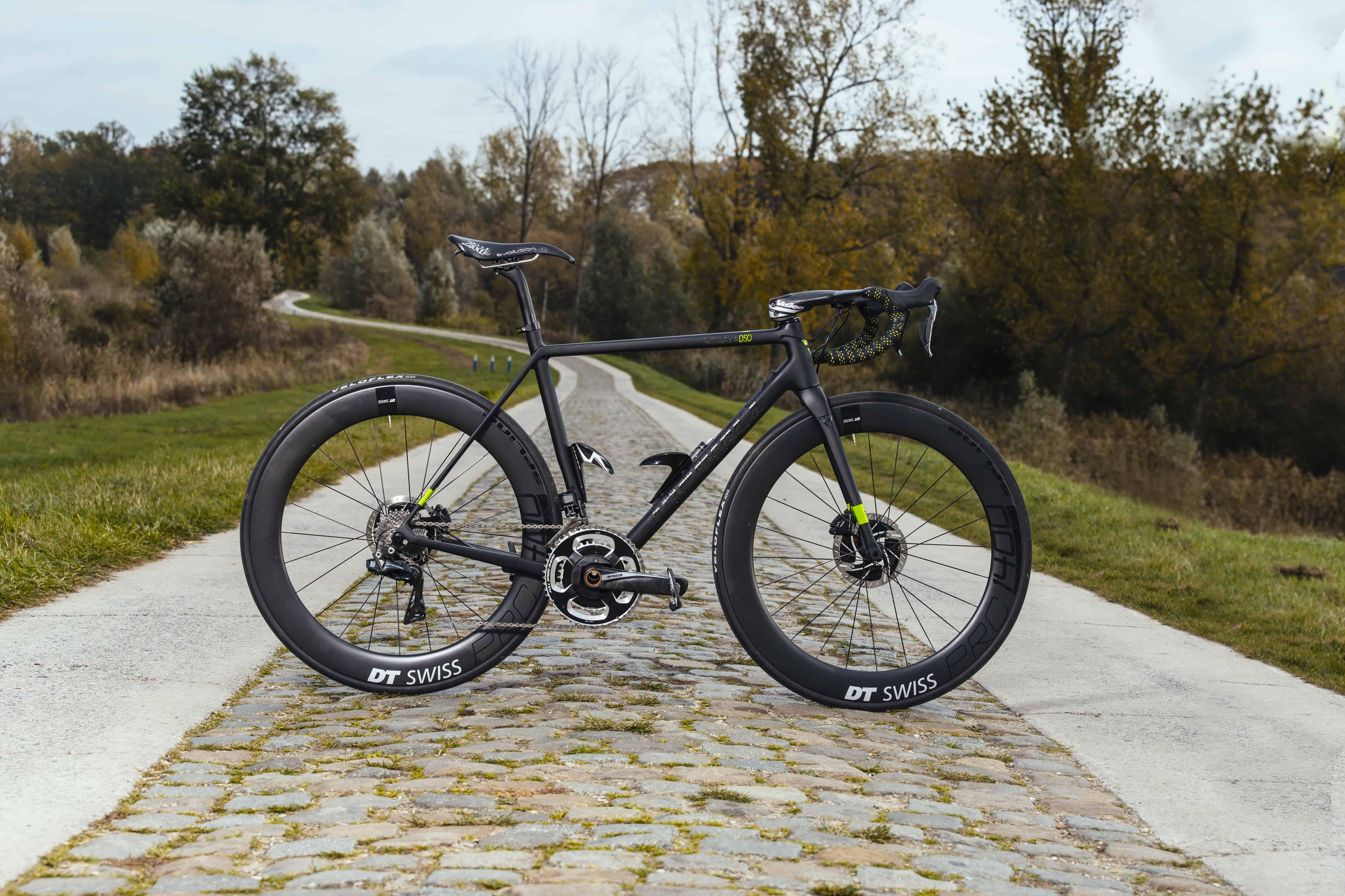 Valcolla DSQ lightweight fiets Prorace met schijfremmen
